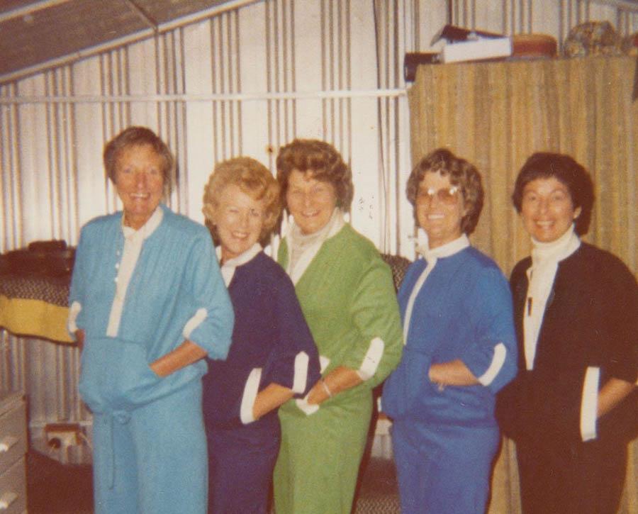 Glad, Esther, Phyl ...Judy Browne In Bowne And Black Prefab Portogaph