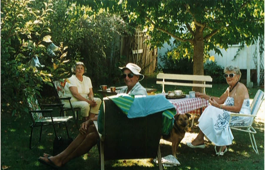Jim And Ray With Kath And Doug Mockeridge At Their Home In Torquay.