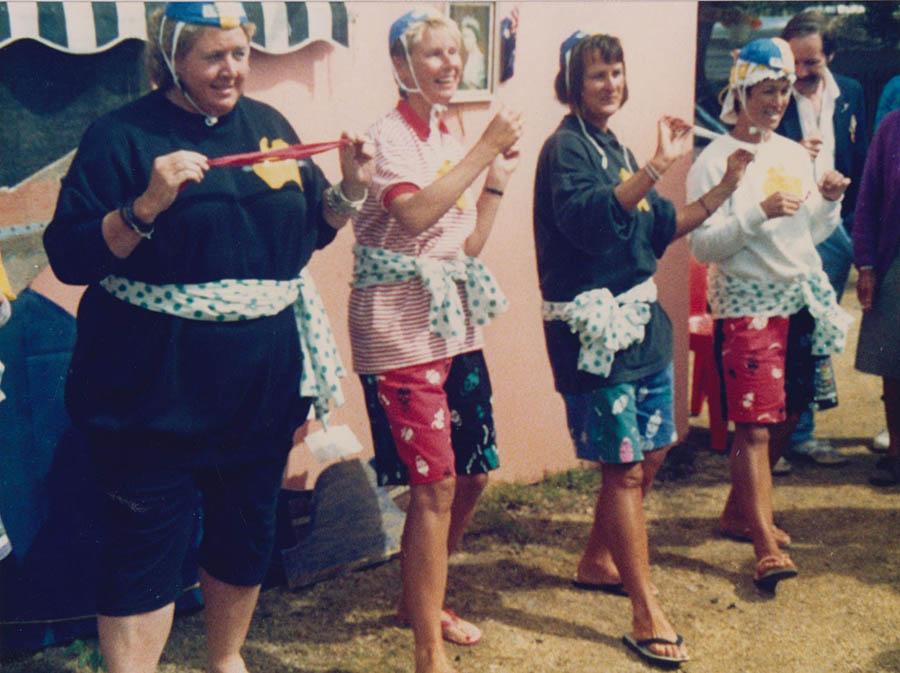 Girls Singing Torquay Torquay 002